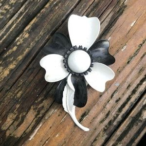 Vintage Black White Enamel Flower Brooch Metal Pin